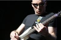 Joe Satriani en 'Guitar Hero IV' y 'Rock Band 2'