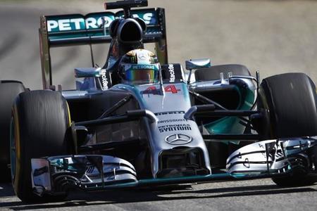 85 millones y un contrato de tres años para convencer a Lewis Hamilton