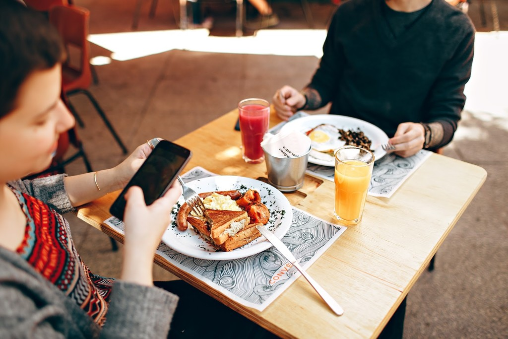 Google Maps: how to discover the popular dishes of a restaurant