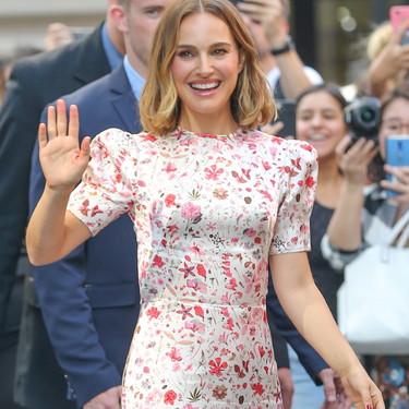 Queremos el vestido a flores de Natalie Portman: distintas versiones perfectas que te convertirán en la invitada perfecta