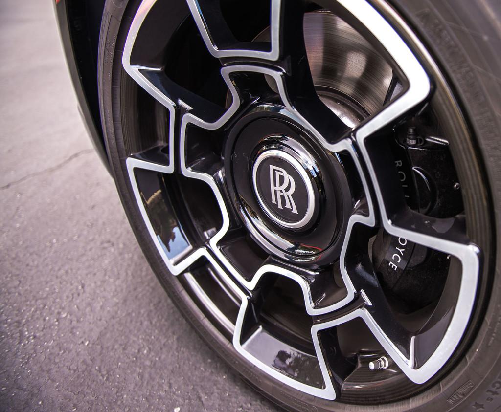 Rolls-Royce carbon fiber