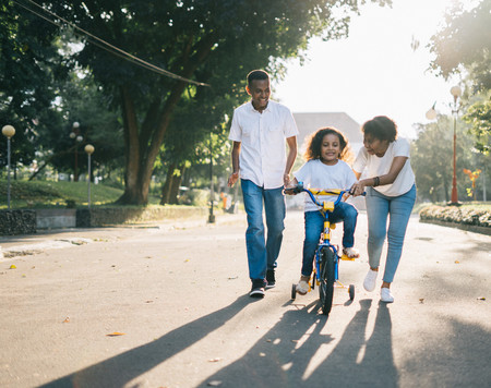 Franjas horarias y cómo deben ser los paseos con los niños en la fase 1 y en la fase 2
