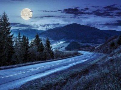Cemento fosforescente que podría iluminar las carreteras del futuro