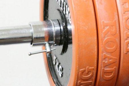 Los problemas de entrenar pesas en una sala abarrotada