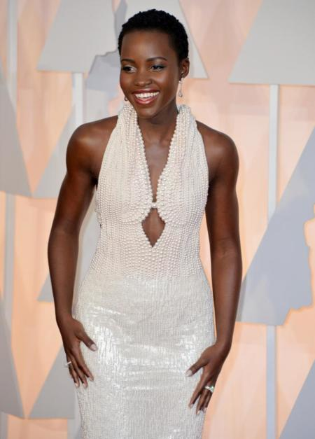 Lupita Nyong'o, la sirena de la alfombra roja de los Oscars 2015