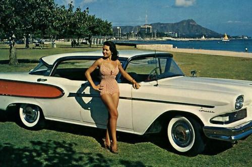 Más que un coche, Edsel fue un desastroso dromedario que diseñó un comité de sabios a partir de un galgo con ruedas