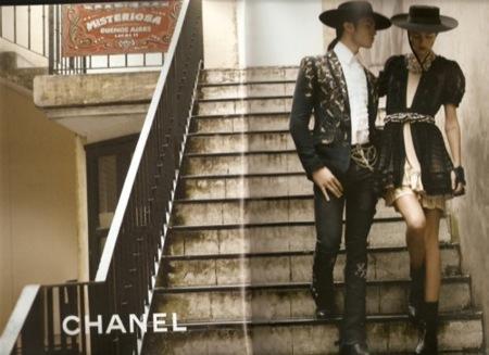Chanel, campaña Primavera-Verano 2010: la vuelta de Claudia Schiffer I