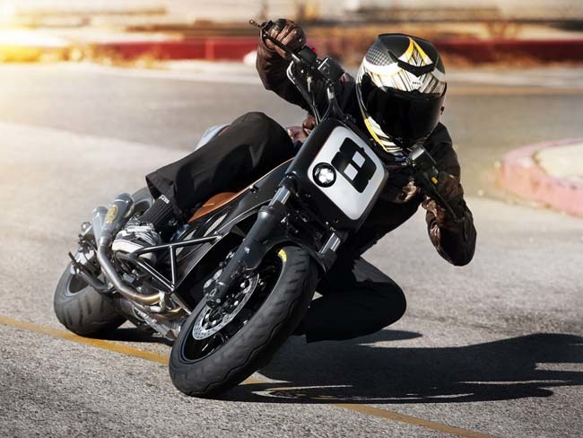 Yamaha T-Max 530 Hyper Modified por Roland Sands