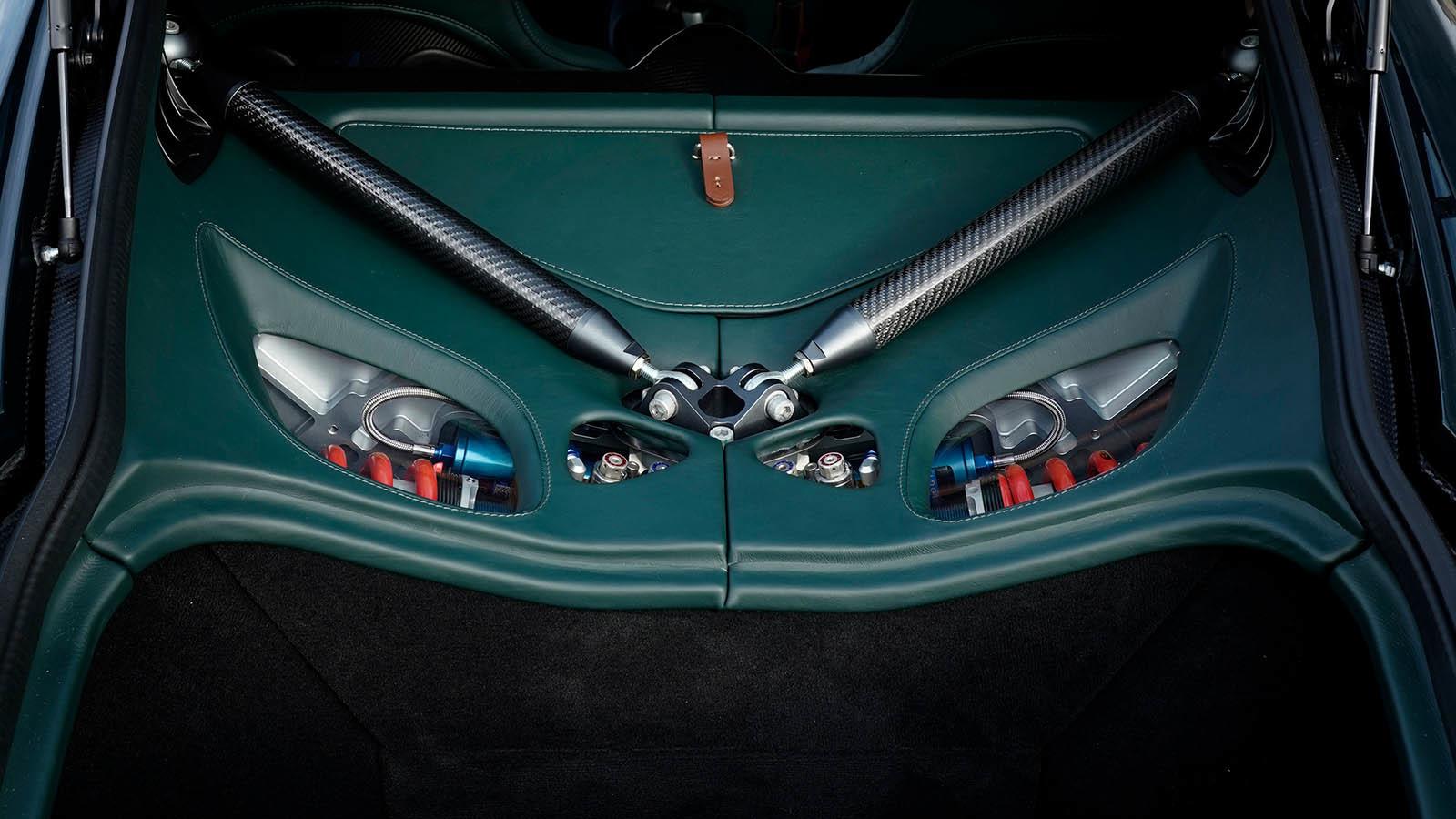 Foto de Aston Martin Victor (5/14)