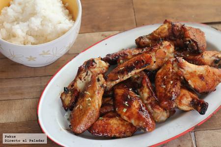Alitas de pollo con soja, miel y limón, receta para chuparse los dedos (literalmente)