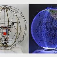 Los drones encontraron un nuevo trabajo: ahora son deslumbrantes pantallas esféricas voladoras