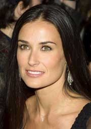Demi Moore a media luz