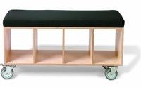 Una buena idea: muebles contenedores con ruedas en habitaciones infantiles