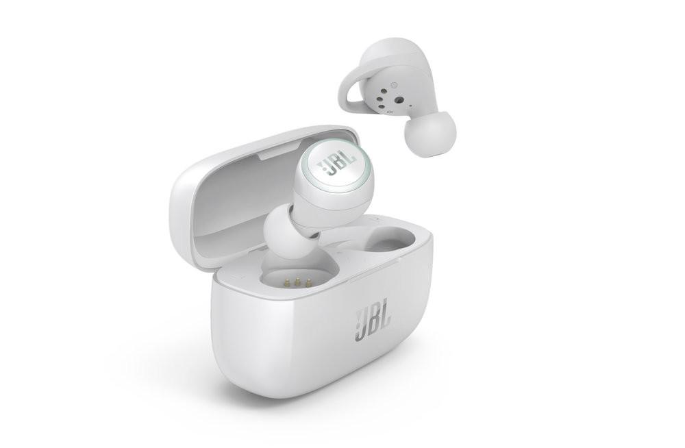 JBL Live 300 TWS: hasta 20 horas de autonomía y resistencia al agua y al polvo para los nuevos auriculares sin cables de JBL