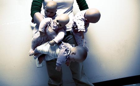 bebés y manos