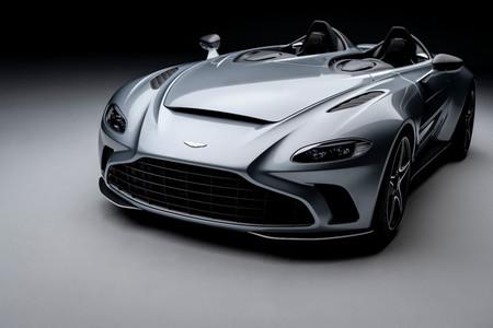 Así de espectacular es el Aston Martin V12 Speedster: una barqueta V12 de 700 CV para llegar a 300 km/h