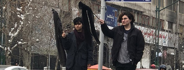 #WhiteWednesdays: así están luchando las mujeres iraníes para liberarse del hijab obligatorio