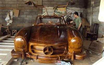 Vendido por ebay un Mercedes-Benz 300SL de madera