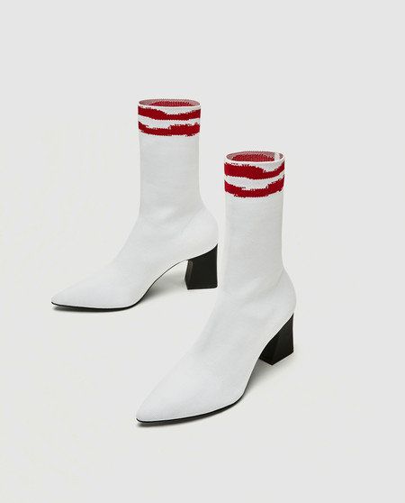 zara botin blanco calcetin