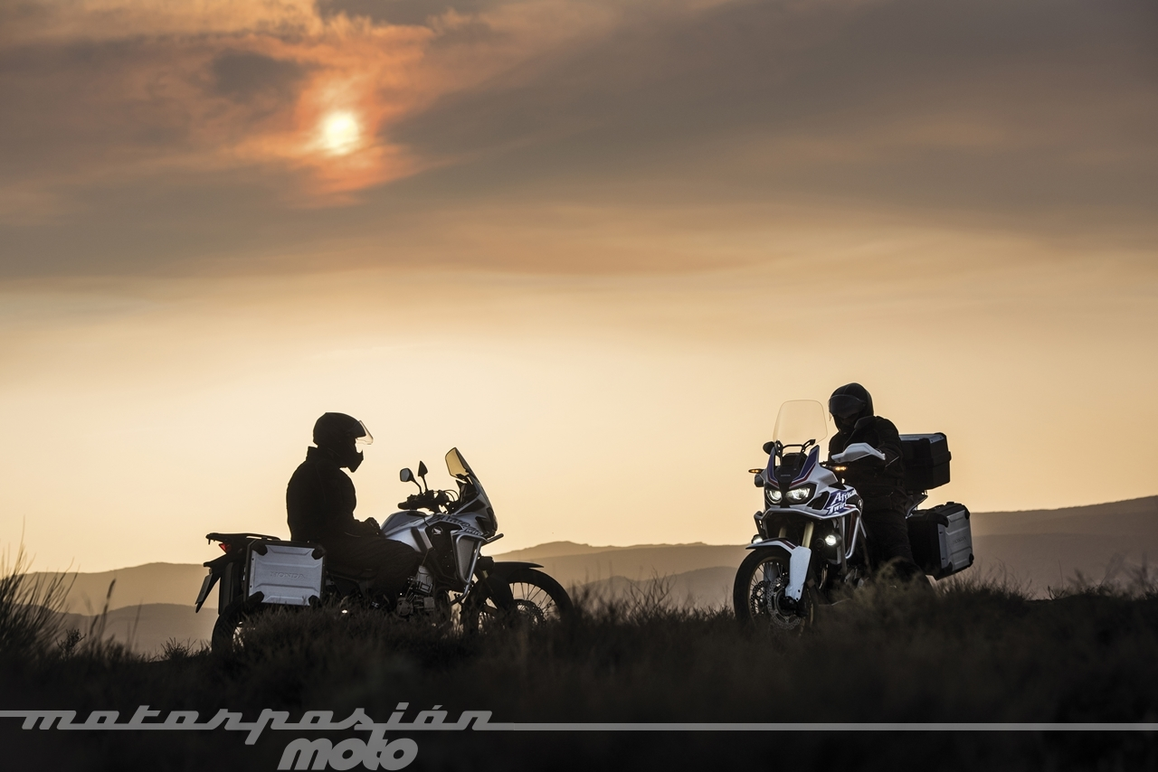 Foto de Honda CRF1000L Africa Twin (38/98)