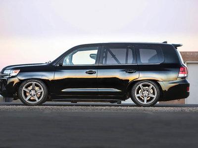 Los 2.000 CV de este Toyota Land Cruiser lo convierten en el SUV más rápido del mundo a 370 km/h