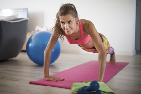 15 minutos de ejercicio para levantarte de la cama con energía
