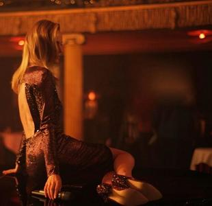 Kate Bosworth nos felicita las fiestas la mar de divi. ¡Cómo canta de bien la chica!