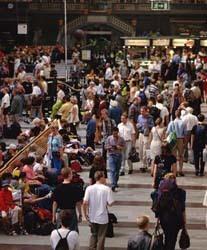Menos turismo nacional, más turismo europeo