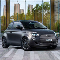 El Fiat 500e ya está a la venta en España: el pequeño coche eléctrico parte de los 24.900 euros