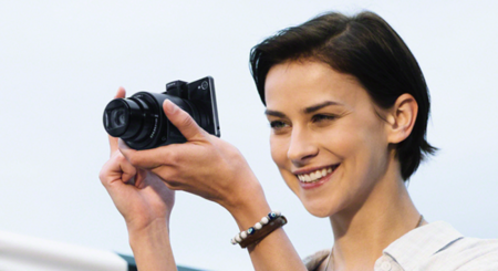 Sony QX1 y QX30, las nuevas cámaras adaptables para nuestros smartphones