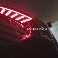 El Kia EV6 se mide en este vídeo a cinco bestias con motor de combustión en una drag race... y solo uno no muerde el polvo