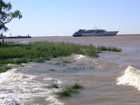 Cómo cruzar el Río de la Plata en barco