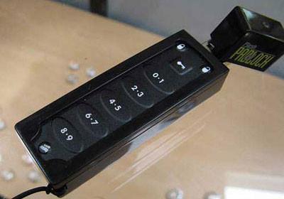 Corsair Padlock, disco USB protegido por PIN