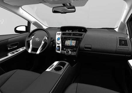 Toyota Prius 2015 7 1024x724 1024x724