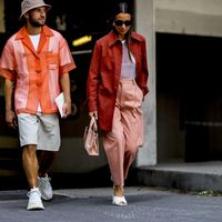 La moda en la calle demuestra que las bermudas no son solo para la playa
