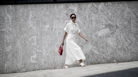 El street style nos enseña cómo llevar un vestido camisero: cinco ideas que no fallan