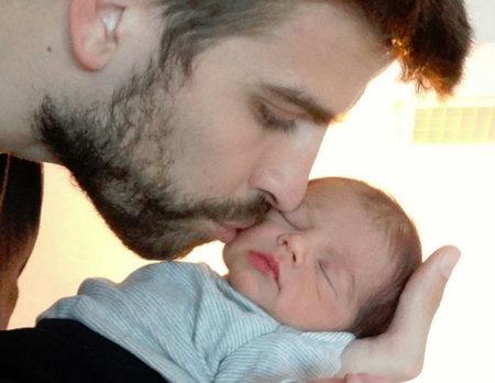 ¡Oigg! Muero de monería con la primera imagen de Milan Piqué con su papi