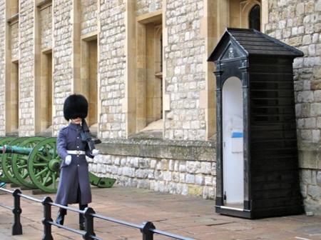 Guardia en la Torre de Londres