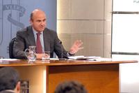 De Guindos deja la puerta abierta a cambios en el IVA