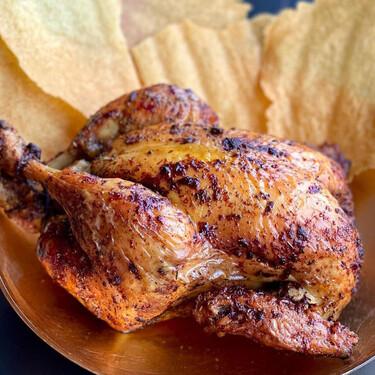 La receta de pollo asado de Jordi Cruz que puedes hacer en casa para quedar bien siempre (aunque no tengas ni idea de cocinar)