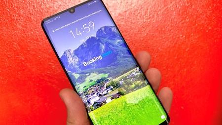 Huawei está empezando a mostrar publicidad en la pantalla de bloqueo de algunos de sus smartphones sin previo aviso