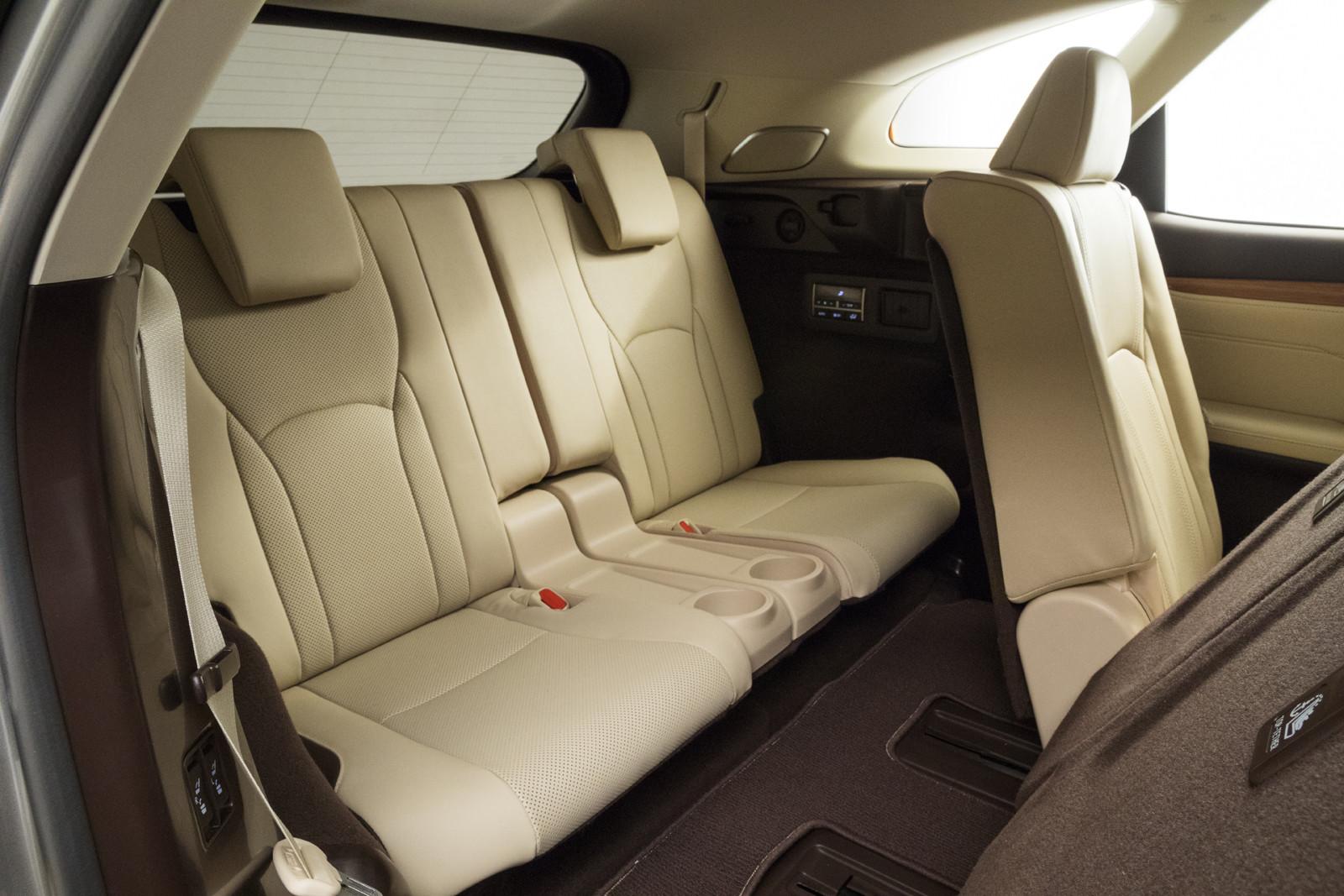 Foto de Lexus RX 450h L (presentación) (15/18)