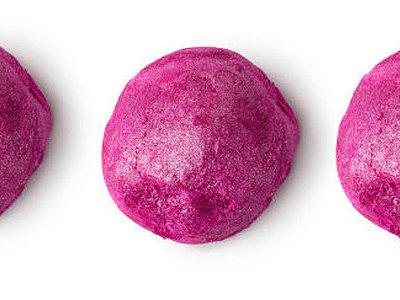 El día que Lush tiñó de rosa a sus usuarias