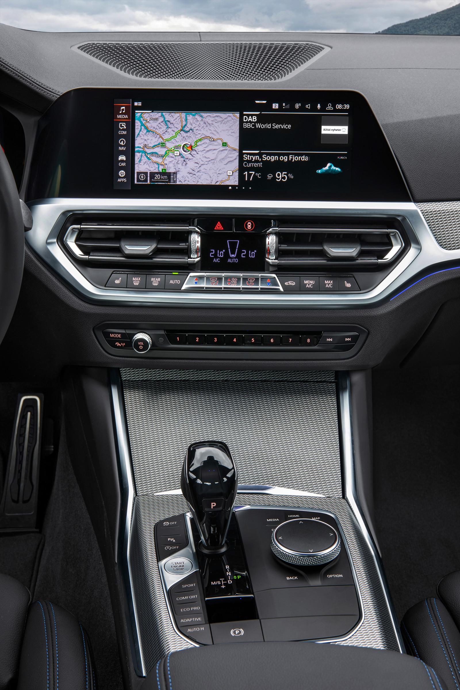 Foto de BMW Serie 3 2019 (38/131)