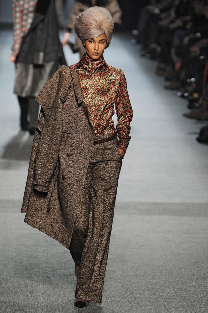 Jean Paul Gaultier Otoño-Invierno 2011/2012 en la Semana de la Moda de París: el lado sexy del estilo ladylike