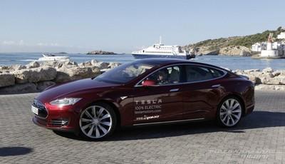 Tesla Model S en Europa: vendrá con un conector compatible con Mennekes Tipo 2, pero que no es Mennekes Tipo 2