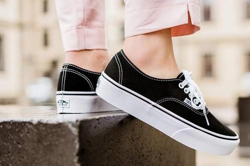 7 zapatillas de marca por menos de 50 euros en Aliexpress: Vans, Adidas, Nike o Lacoste
