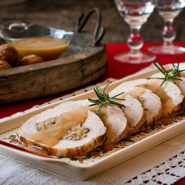 Lomo de cerdo relleno al horno, la receta que cunde como para alimentar un batallón en Navidad