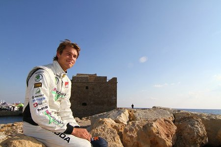 Andreas Mikkelsen lidera en una etapa completamente loca