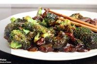 Salteado de brócoli y pluma ibérica. Receta